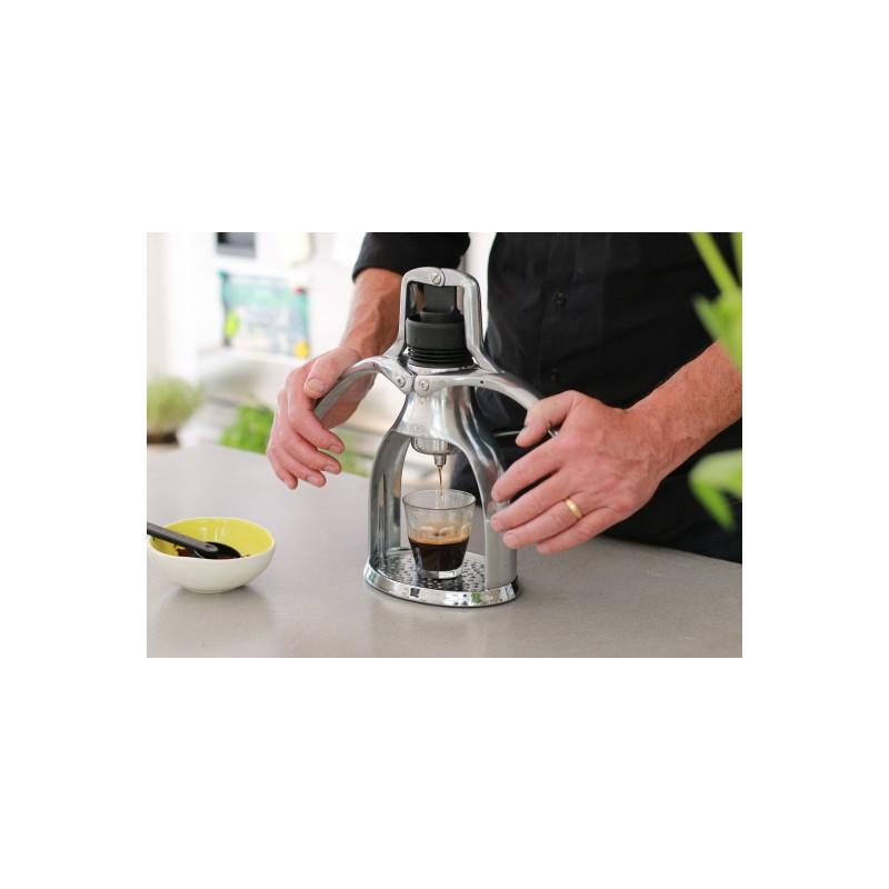 Espreso kavos aparatas Classic su pieno plakikliu