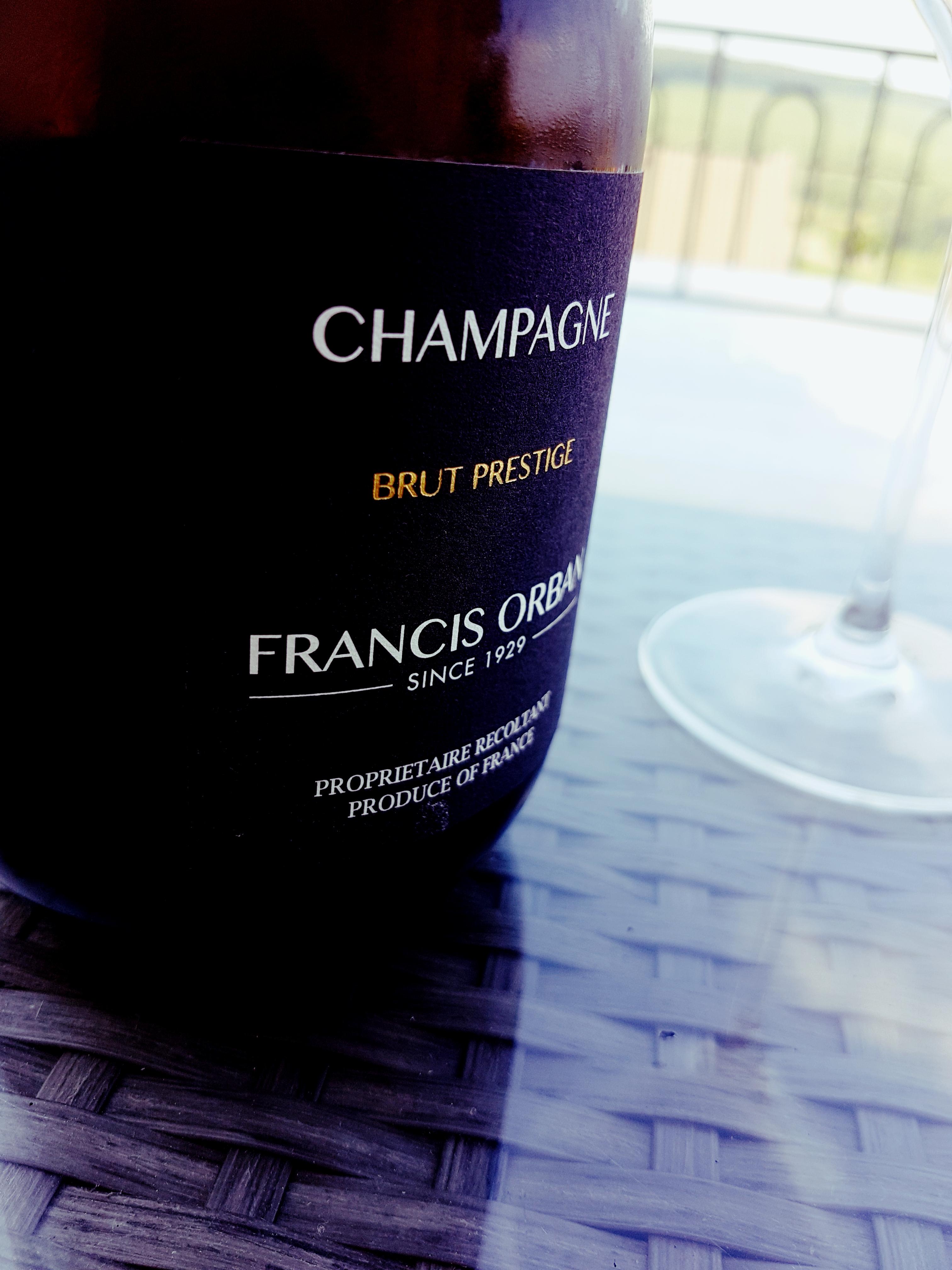 Francis Orban champagne šampanas tikras putojantis burbuliukai tradicija prancūzija